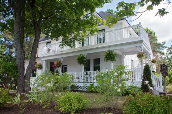 Rosseau Retreat B&B: Rosseau Retreat Welcomes You!