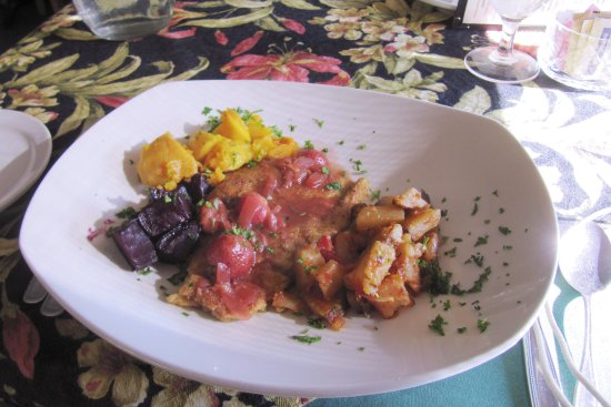 Garden's Gate Restaurant: Strawberry chicken