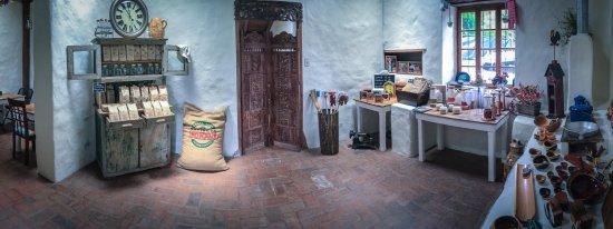 San Rafael de Escazu, Costa Rica: Our shop