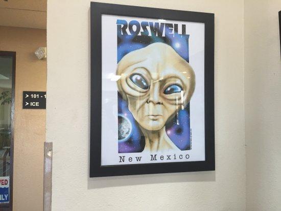 Super 8 Roswell: photo3.jpg