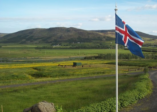 Minna-Mosfell Guesthouse: View during breakfast (Iceland Independence Day)