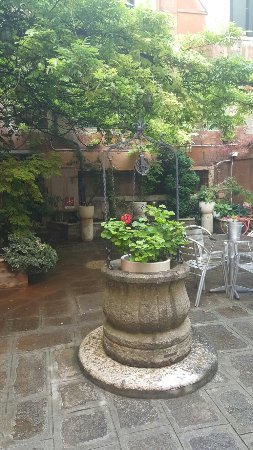Hotel San Moise: 20160703_071641_large.jpg