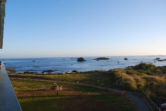 Oceanfront Lodge: Almost Sunset - View from Room 203