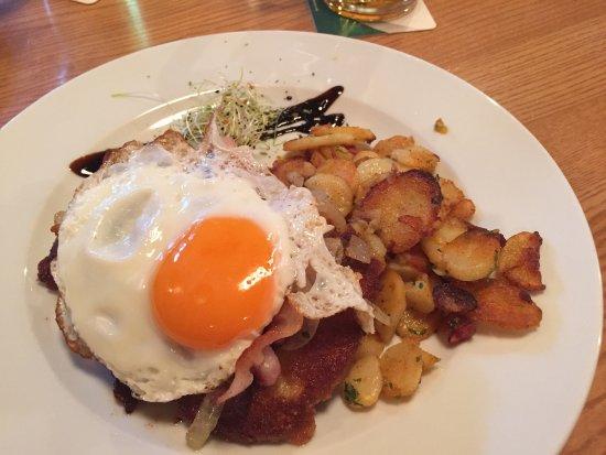Dorf Alm: Goede sfeer en heerlijk eten voor weinig geld ;)