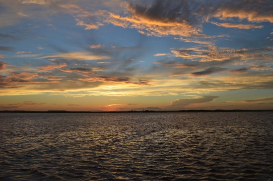 Fernandina Beach, فلوريدا: The colors are unbelievable as the sun sets.