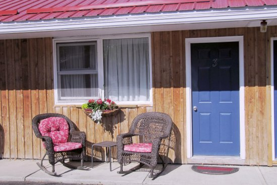 Manitowaning, Canadá: Unit 3. All units have these comfortable chairs