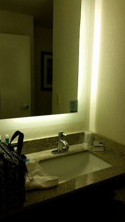 Holiday Inn Express Brentwood South/Franklin: 20160702_211022_large.jpg