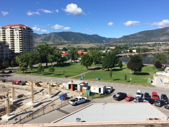 Penticton Lakeside Resort Convention Centre & Casino: View west from our 6th floor balcony