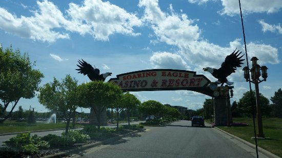 Soaring Eagle Casino & Resort: Fun time for friends/family in a very nice casino. SE has become one of my favorites as a once i