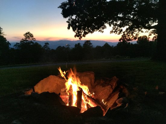 Fire Mountain Inn: photo1.jpg