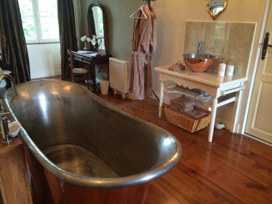 Vidaillat, France : The amazing copper bath