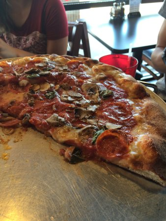 Calda S Coal Fire Pizza There Are A Few Good Places In Myrtle Beach But
