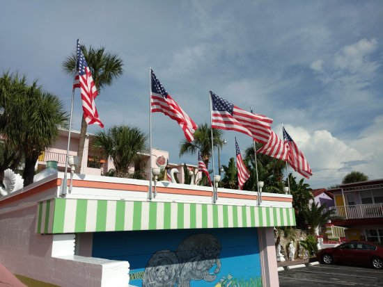 Tropical Manor: American flags flew during the week leading up to July 4.