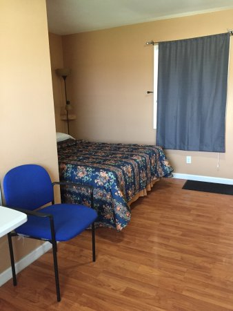 Streator, IL: single bed Room
