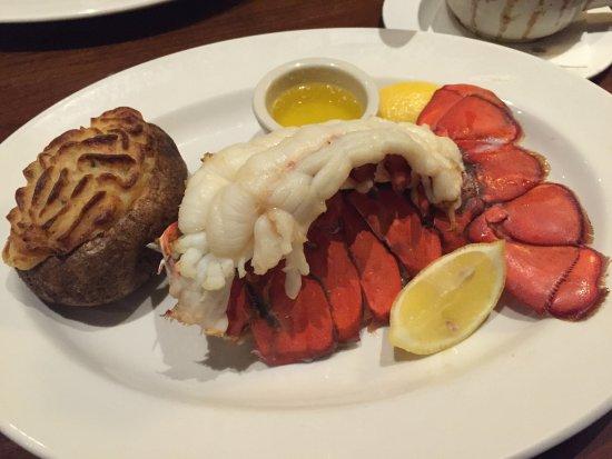 Prince George, كندا: 12oz Lobster Tail dinner