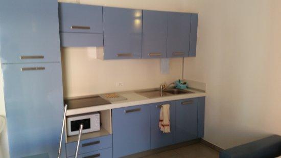 angolo cottura con fornelli ad induzione - Foto di Appartamenti ...