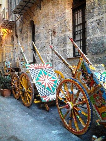Museo del Carretto Siciliano Franco Bertolino