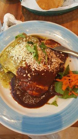 La Palapa: Burrito steelers