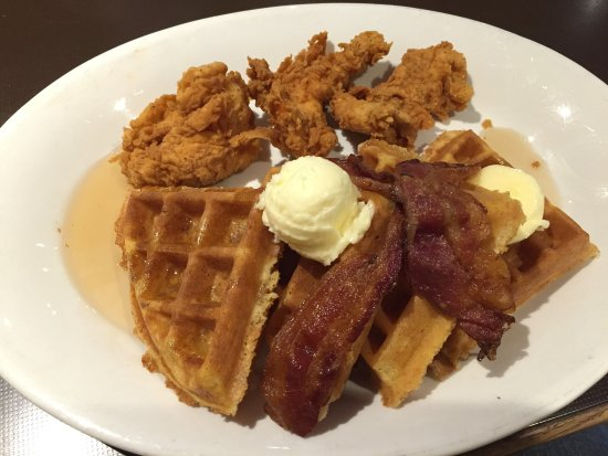 Ricky's Country Restaurant: Chicken and waffles