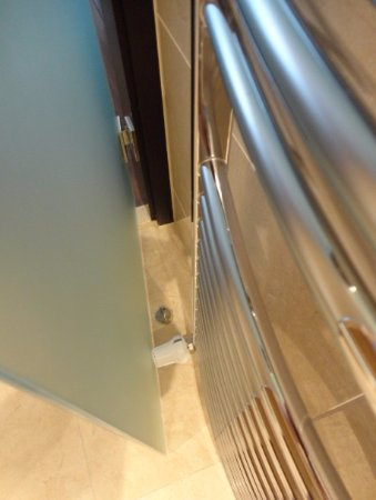 Quentin Design hotel: Türpuffer nutzlos