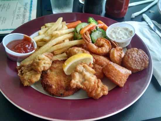 Urbanna, เวอร์จิเนีย: Seafood Sampler Platter
