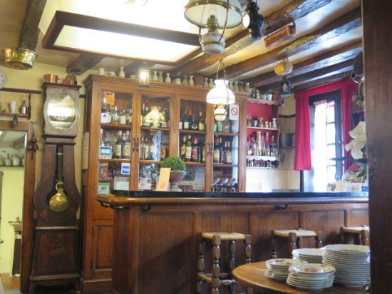 Centre-Val de Loire, France : Cheu l'Zib à Menetout Salon , le bar
