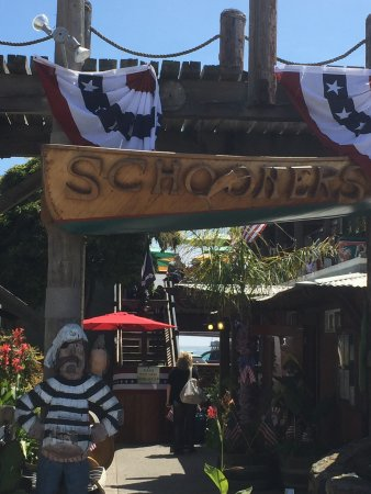 Schooners Wharf: Really great bloody Mary's and good food