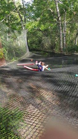 Mangofil Martinique: fin du parcourt trampoline air de jeux