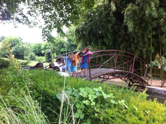 Saint-Maigrin, Francia: Ballade les jardins