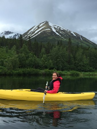 Summit Lake Lodge: Kayaking on Summit Lake