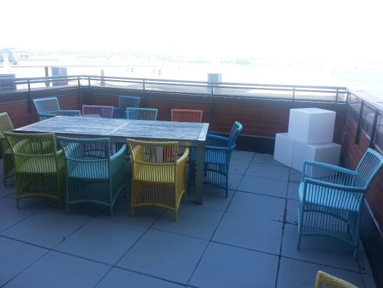 Premiere Suites - Bishop's Landing: Beautiful deck overlooking the harbour with massive BBQ