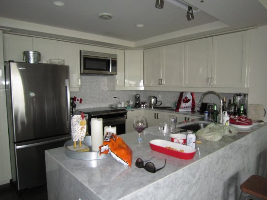Premiere Suites - Bishop's Landing: This kitchen was outfitted with absolutely everything