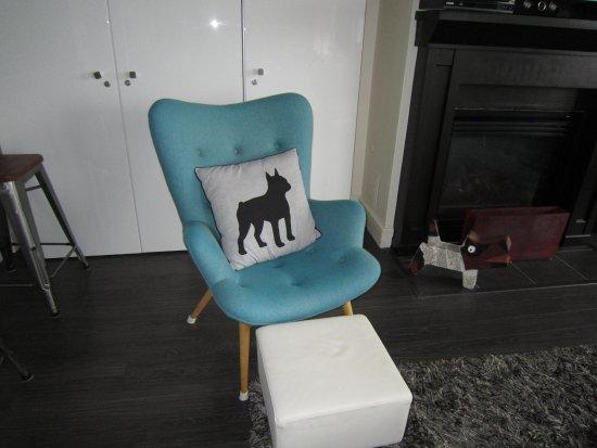 Premiere Suites - Bishop's Landing: cute little details like fun cushions and funky folk art