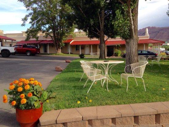 Adventure Inn & Motel: photo0.jpg