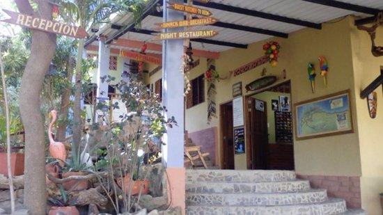 La Casa de Felipe: Ingreso a la recepción