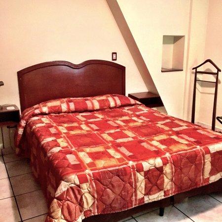 Hotel Gardenia Inn : Está en buen estado y en remodelación en la sección de entrada