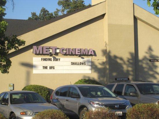 MET Cinema, Oakhurst, CA