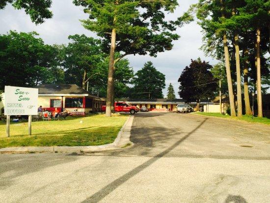Cadillac, MI: Sun-N-Snow Motel