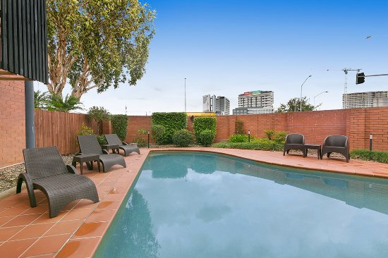 Kingsford Smith Motel: Pool area