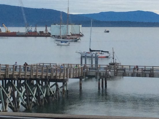 Keenan's at the Pier: Sights and sounds of the vessels incoming and outgoing the harbor