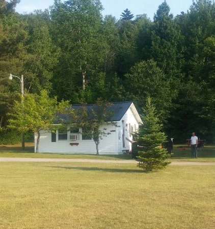 Carroll Motel & Cottages: 20160626_180548-1_large.jpg