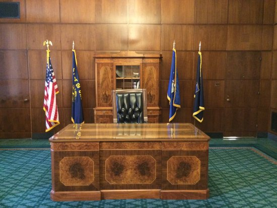 Salem, OR: The Governor of Oregon's ceremonial desk.