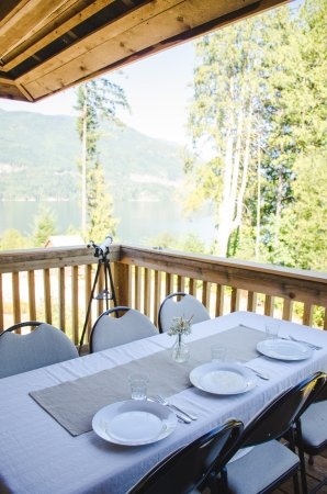 Sechelt, Καναδάς: West Coast dining on our panoramic dining deck