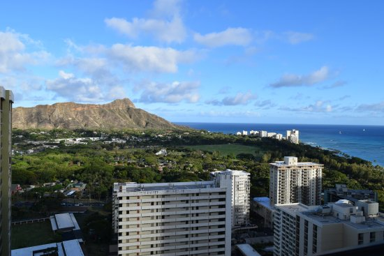 Waikiki Banyan: View from Balcony - Tower 1, Suite 3703