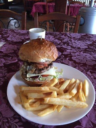 Fernvale, Australien: Works burger