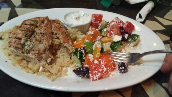Branding Iron Bar & Grill: Chicken souvlaki