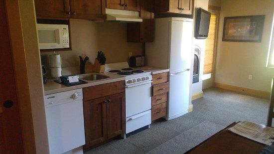 Columbia Falls, MT: nice kitchen