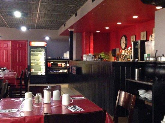 ดรายเดน, แคนาดา: Restaurant interior