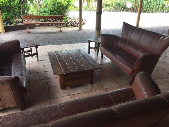 Aitutaki Lagoon Resort & Spa: The unused second dining room/ bar area