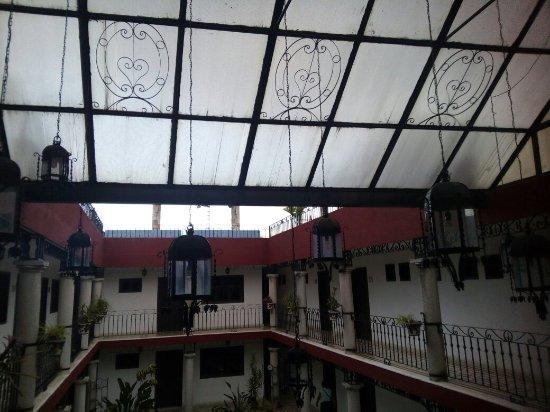 hotel colonial la aurora: IMG_20160702_183606_large.jpg